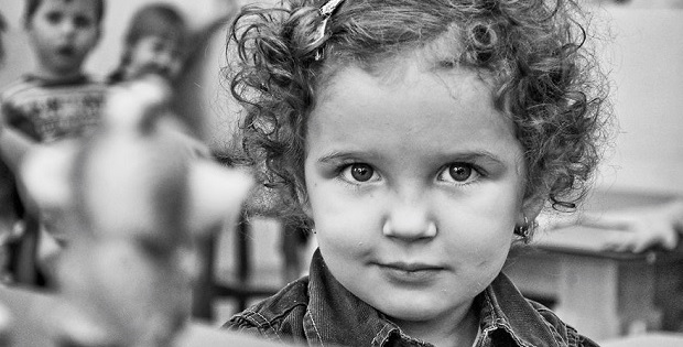 14c-People-Portraits-From-1-To-100-Years_Featured